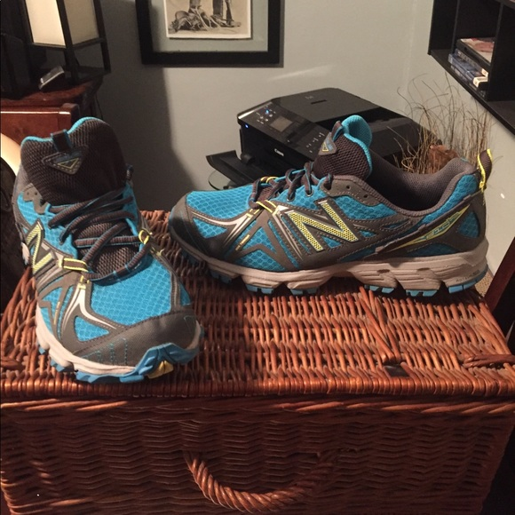 New Balance trail running shoes 9